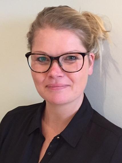 Cijnthia Danser helpt u graag aan de juiste bril of kinderbril bij Henk Bouw Optiek uit Oostzaan.